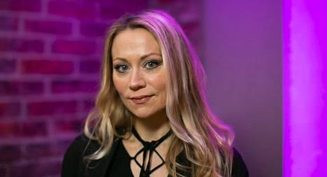 Anna Eriksson näytteli pääosan luomassaan ja ohjaamassaan M-elokuvassa. –Sen tekeminen oli minulle myös elokuvakoulu. Siihen meni todella paljon aikaa, mutta olin hyvin pitkämielinen, Eriksson kertoi Tv-lehdelle.