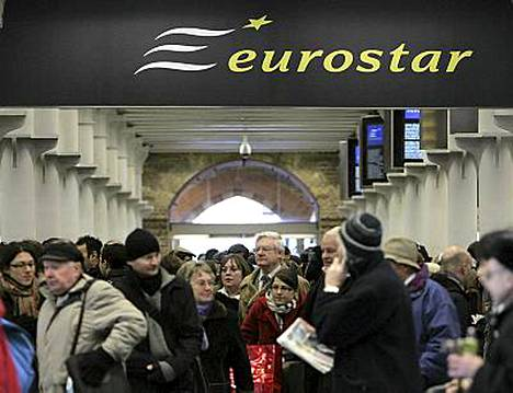 Eurostarin junat aiheuttivat ongelmia hyytymällä Englannin kanaalin alaiseen tunneliin.