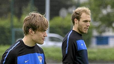 Mika Ojala (vas.) ja Timo Furuholm - Interin tehokaksikko.