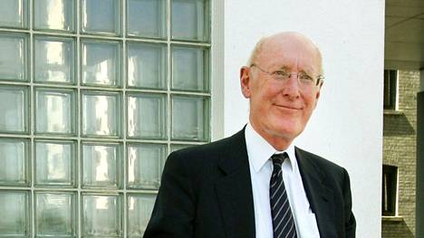 Sir Clive Sinclair arkistokuvassa vuodelta 2006.