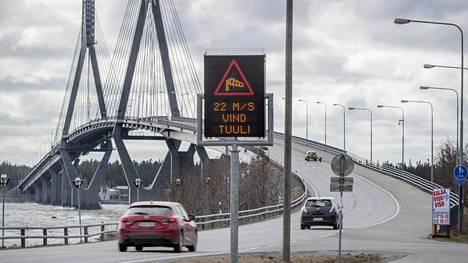 Suomen pisin silta.