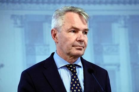 Ulkoministeri Pekka Haavisto ei kommentoinut rikosepäilyjään keskiviikkona.