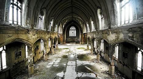 Muun muassa kirkot ovat joutuneet ryöstelyiden ja ilkivallan kohteiksi.