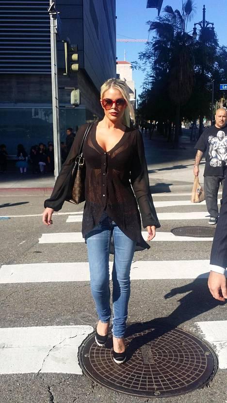 Paparazzit kuvasivat Chloe Goinsin Los Angelesissa viime tammikuussa.