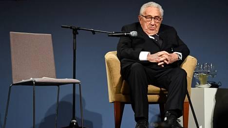98-vuotias Henry Kissinger on vanhin elossa oleva Yhdysvaltain ministerinä palvellut henkilö.