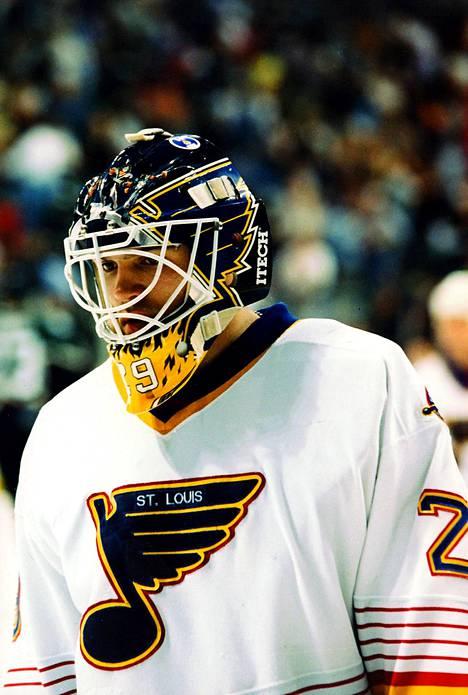 Jamie McLennan pelasi 11 vuotta kestäneellä NHL-urallaan NY Islandersissa, St. Louisissa, Minnesotassa, Calgaryssa, NY Rangersissa ja Floridassa.