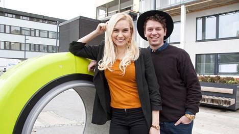 Pöyrööt-sarjakuvastaan tuttu yrittäjäpari Arttu ja Liisa Seppälä harrastavat asuntosijoittamista.
