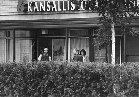 Kaappaus alkoi KOP:n Jakomäen konttorista perjantaina iltapäivällä 8.8.1986.