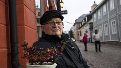 Leonid Laakso käytti Moskovan ääntä Suomessa kirjeenvaihtajan ja APN-uutistoimiston johtotehtävissä. Nykyisin hän on Suomen kansalainen ja asuu Askolassa.