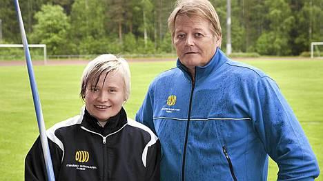 Oona Sormunen heitti Seppo Rädyn neuvoilla uuden ennätyksensä.