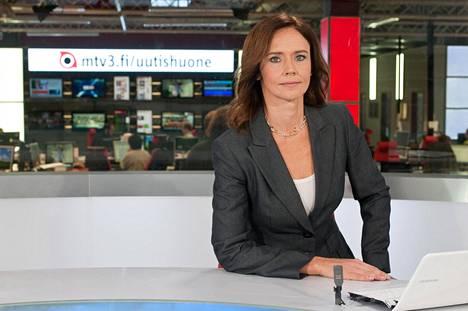 Rita Strömmer tunnetaan MTV:n uutisankkurina ja ulkomaantoimittajana. Strömmer on raportoinut lukuisilta kriisialueilta ja kuvannut, leikannut ja ohjannut reportaaseja maailmalta.