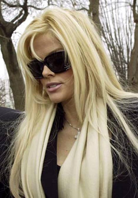 Joutuiko Anna Nicole Smith murhaajan uhriksi?