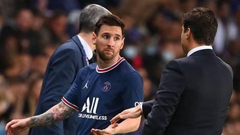 """L'Equipen mukaan Mauricio Pochettinon ja Lionel Messin dialogi vaihdon jälkeen eteni näin. Valmentaja kysyi: """"kuinka voit?"""" Pelaaja vastasi: """"hyvin""""."""