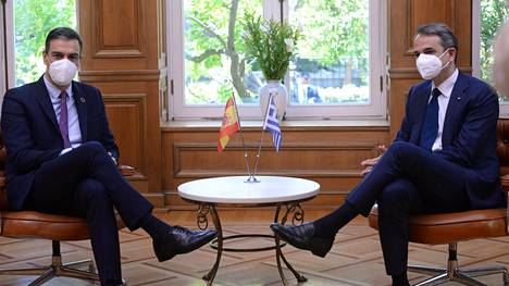 Espanjan pääministeri Pedro Sánchez oli Ateenassa Kyriakos Mitsotakisin vieraana.