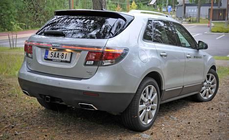 Saab 9-4X muistuttaa monilta osin muotoilultaan viimeisiä 9-5-vuosimalleja 2010-luvun alusta, vaikka korityyppi on tietenkin aivan erilainen.