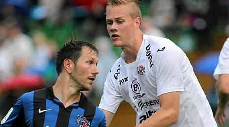 Joel Mero (oik.) pelasi viimeisen ottelunsa FC Lahden paidassa 27. kesäkuuta.