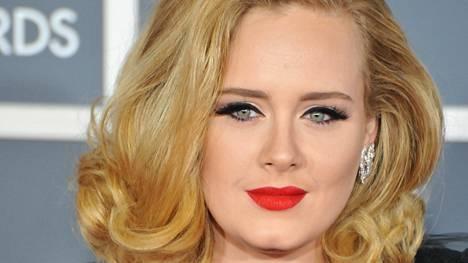 Adele tahkoaa rahaa.
