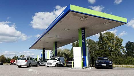 Polttoainevero nousi tänään 1. elokuuta.