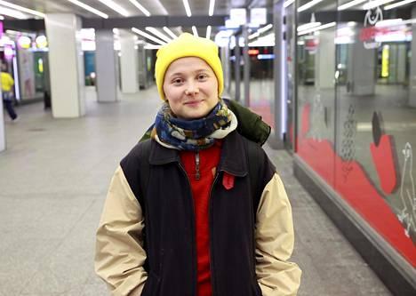 """""""Voi kysyä, eikö näillä nuorilla ole huolenpitäjiä tai tiloja, joissa voi viettää aikaa"""", pohti 21-vuotias Iiris."""