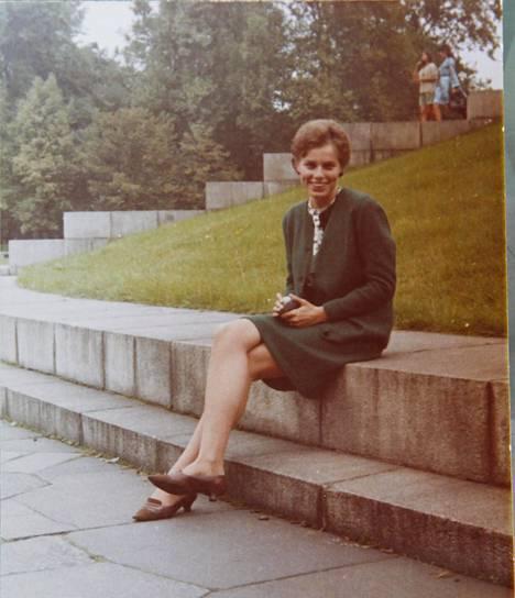 Ute Henkel kesällä 1967 Itä-Berliinissä. Hän oli juuri tavannut unelmiensa miehen, mutta muuri esti häneltä muuton tämän luo Länsi-Berliiniin.