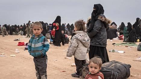 Turkin hyökkäys Pohjois-Syyriaan on herättänyt huolta siitä, että kurdit eivät kykene valvomaan enää siviileille tarkoitettuja leirejä, kuten al-Holia.
