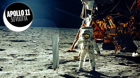 """Neil Armstrong otti kuvan Kuun kamaralta 20. heinäkuuta vuonna 1969. Kuvassa Edwin """"Buzz"""" Aldrin ja kuumoduuli nimeltä Kotka."""