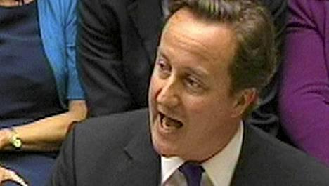 David Cameron puhui Britannian parlamentille tänään.