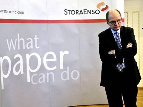 Stora Enson toimitusjohtaja Jouko Karvinen luopuu yhden kuukauden palkastaan säästötalkoiden nimissä.