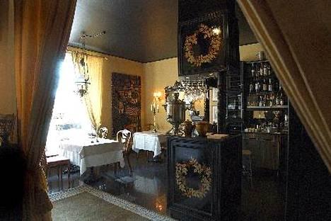 Venäläinen Bellevue Helsingissä yksi maailman vanhimmista yhtäjaksoisesti Venäjän ulkopuolella toimivista venäläisistä ravintoloista. Bellevue perustettiin vuonna 1917, ravintolan sivuilla kerrotaan.