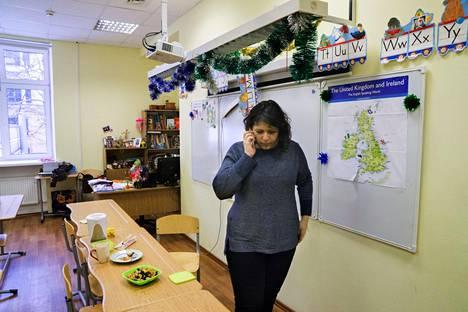 Lusine Arutjunova opettaa nykyisin sillä samalla koululla, jota Tanjakin kävi. Lapsuutensa hän asui kommuunihuoneistossa, jossa heidän nelihenkisen perheensä käytössä oli neljäntoista neliön huone.