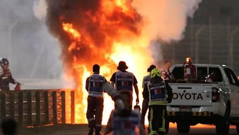 Romain Grosjeanin auto paloi kuin soihtu Bahrainin GP:ssä marraskuun lopussa.