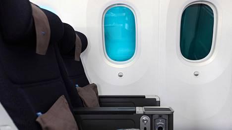 Lentokoneissa on aina pyöreäkulmaiset ikkunat. Kyse on turvallisuudesta.
