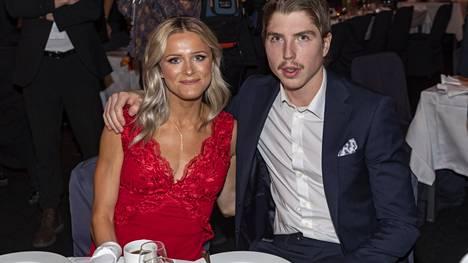 Frida Karlsson ja William Poromaa edustivat yhdessä Ruotsin urheilugaalassa Idrottsgalanissa vuonna 2020.