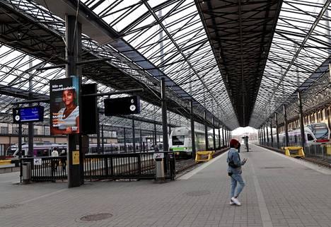 Aseman lasten mukaan oleskelu rautatieasemalla on vähentynyt koronan aikaan.