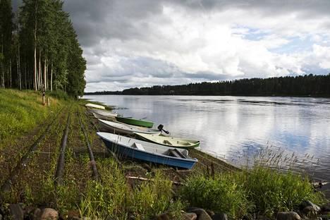 Oulu saa vetensä Oulujoesta.