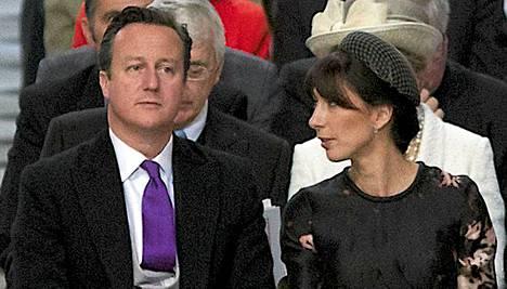 David Cameronille ja hänen vaimolleen Samanthalle sattui paha kömmähdys.