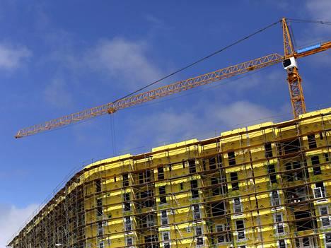 Asuintalon rakennustyömaa kesällä San Franciscossa.