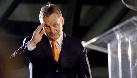 Viktor Orban julistautui vaalivoittajaksi.