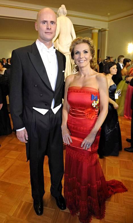 Janne Erjola ja Tanja Karpela ovat pitäneet yhtä vuodesta 2009 asti ja heillä on samana vuonna syntynyt lapsi. Kuva vuodelta 2010.