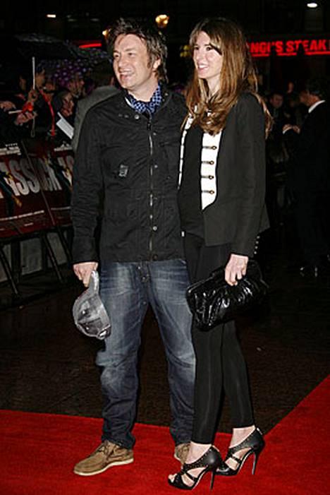 Jamie ja Jools Oliver tapasivat 1993 ja menivät naimisiin 2000.
