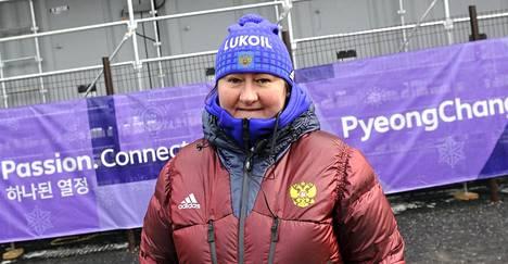 Takavuosien huippuhiihtäjä Jelena Välbe toimii nykyään Venäjän hiihtoliiton puheenjohtajana. Välbe oli dopingsanktioiden vuoksi Etelä-Korean olympialaisissa katsojan roolissa.