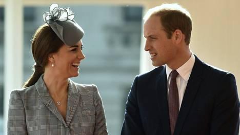 Herttuatar Catherine ja prinssi William lomailevat parhaillaan Mustiquen saarella, Karibian lämmössä.