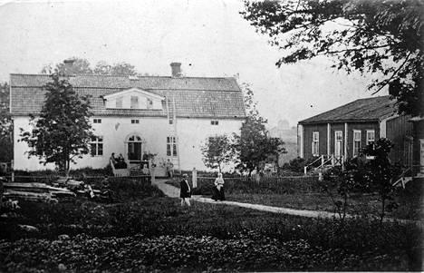 Topeliuksen koti Koivuniemi.