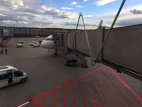 Lento jouduttiin perumaan.