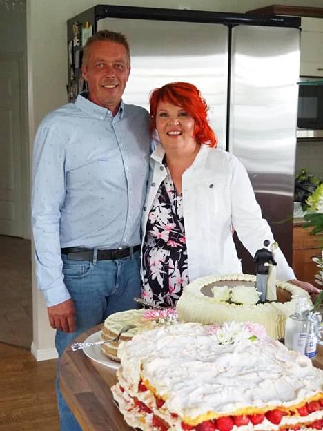 Viime kesänä Riitta ja Mika juhlivat 25-vuotishääpäiväänsä.