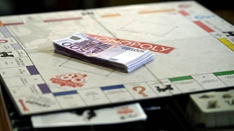 Yksi Ranskassa myytävistä Monopoli-peleistä sisältää yli 20 000 euroa käteistä.