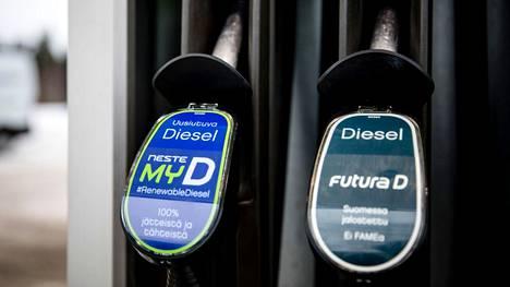 Nesteen valikoimaan kuuluu esimerkiksi kokonaan uusiutuvista raaka-aineista valmistettu diesel.