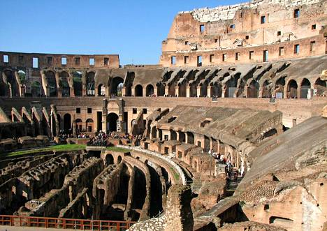 Kuvassa ei sentään ole Rooman EM-kisastadion, vaan kuuluisa Colosseum.