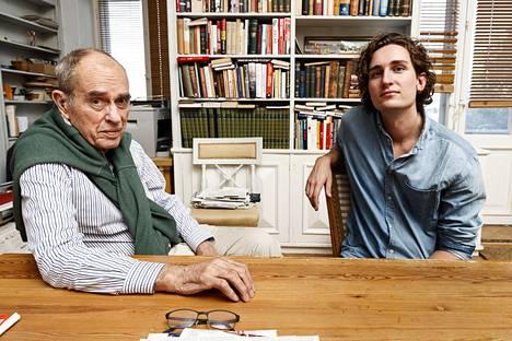 –Tavallaan ihailen rohkeuttasi, mutta en aio sitä kopioida. Olen eri muotista, Rafael Donner sanoo Jörnille.