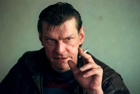 Christer Petterson tuomittiin Palmen murhasta, mutta vapautettiin myöhemmin hovioikeuden päätöksellä. Petterson kuoli syksyllä 2004.